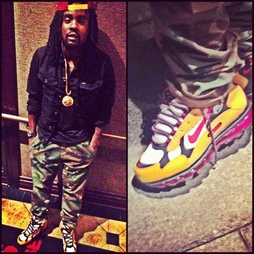 *Celebrity Sneaker Stalker*