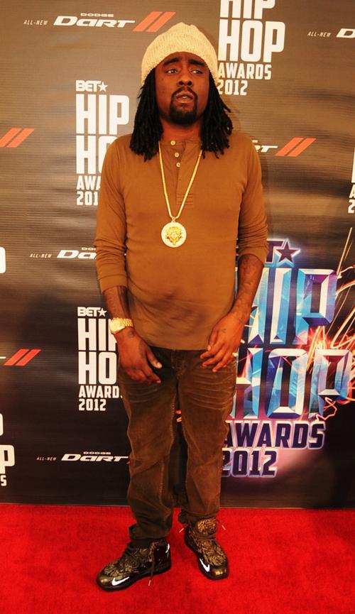*Celebrity Sneaker Hawk*